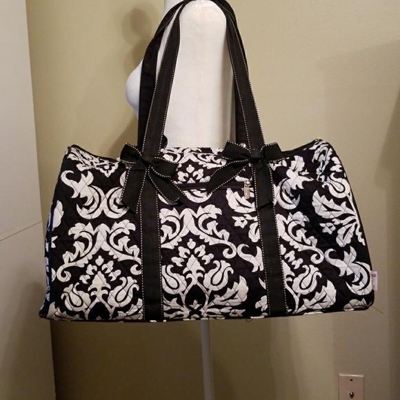 39b3a9dfe1 belvah Handbags - Quilted Vera Bradley inspired duffle bag
